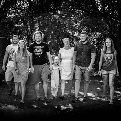 familienbilder-generationen-fotos-homestory-wedemark-outdoor-fotografie-maren-kolf